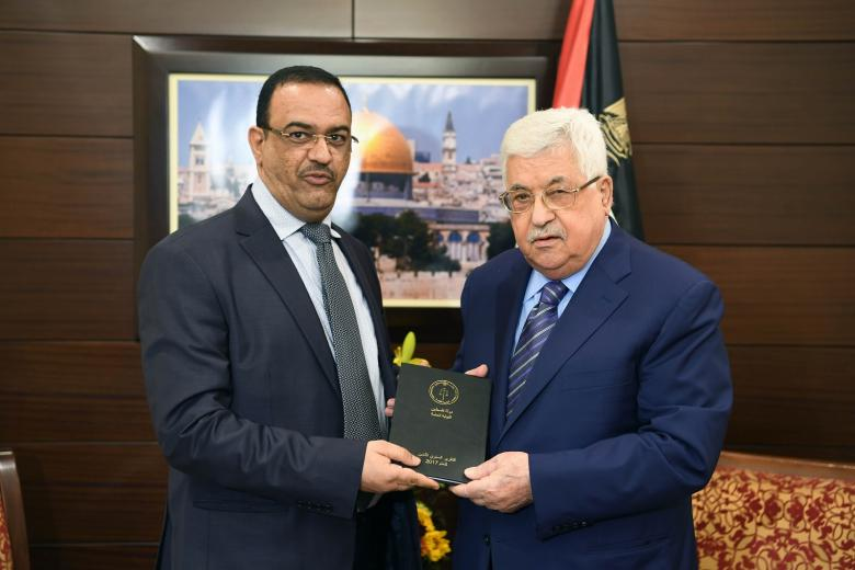 براك يؤدي اليمين القانونية أمام عباس رئيسًا لهيئة مكافحة الفساد