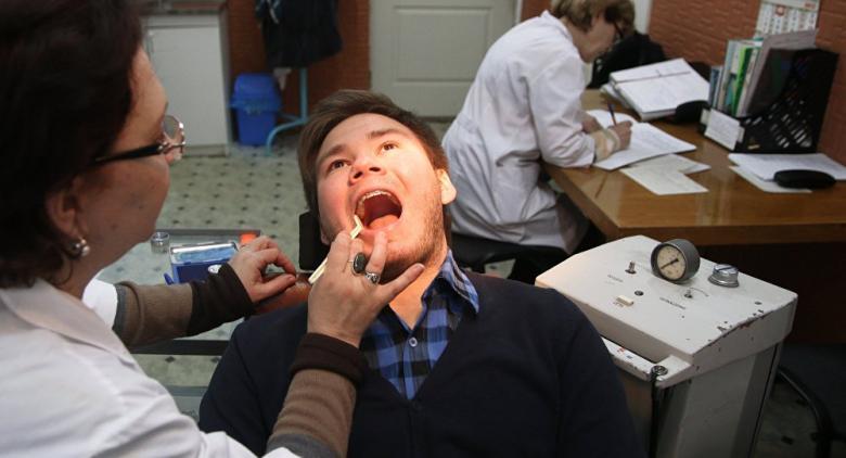 دراسة: هناك علاقة بين تنظيف الأسنان والضعف الجنسي