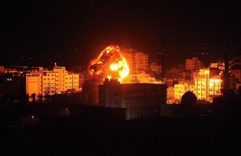 الاحتلال يرتكب مجزرة كبيرة في مدينة دير البلح