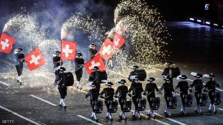 الجيش السويسري يكسب أولى معاركه منذ 170 عاما