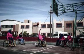 نساء غزة يتحدين الإعاقة بممارسة كرة السلة
