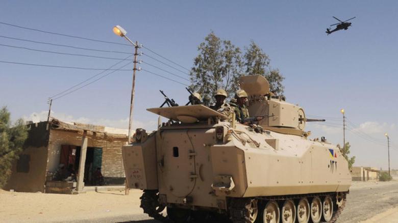 مقتل عقيد مصري وإصابة جنديين بتفجير بسيناء