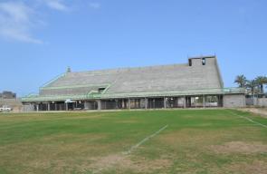 بلدية النصيرات تنتهي من المرحلة الأولى من مدرجات الملعب البلدي