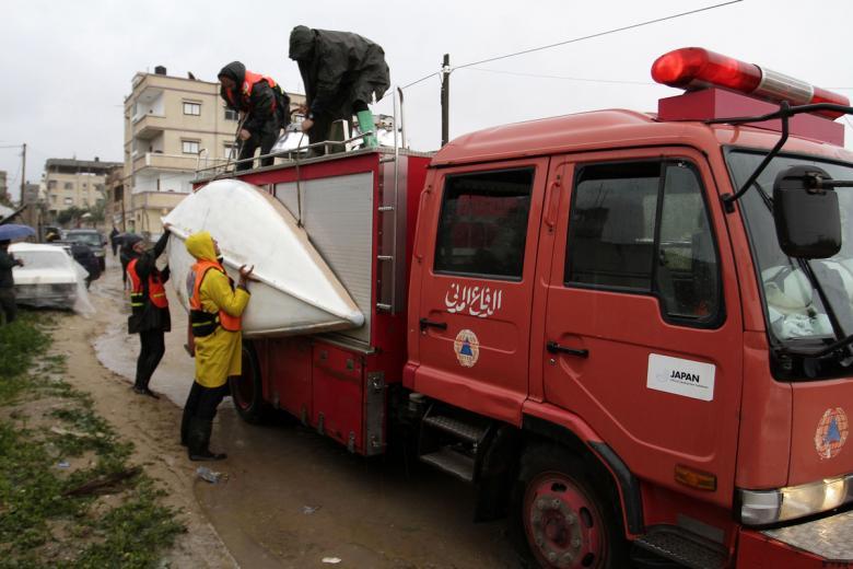 دفاع مدني الشمال يخلي 9 عائلات غرقت منازلهم