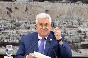 عباس يتخذ قرارًا بحق مستشاريه وأعضاء الحكومة السابقة