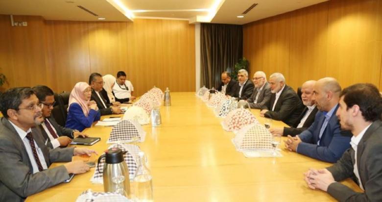 هنية يلتقي نائب رئيس الوزراء ووزير الداخلية الماليزيين