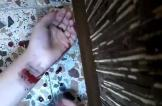 السعودية: أب يقنع ابنته بالانتحار