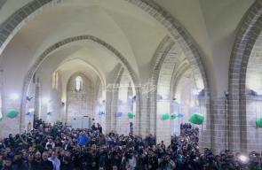 تشييع جثمان الشهيد فقهاء في المسجد العمري بغزة