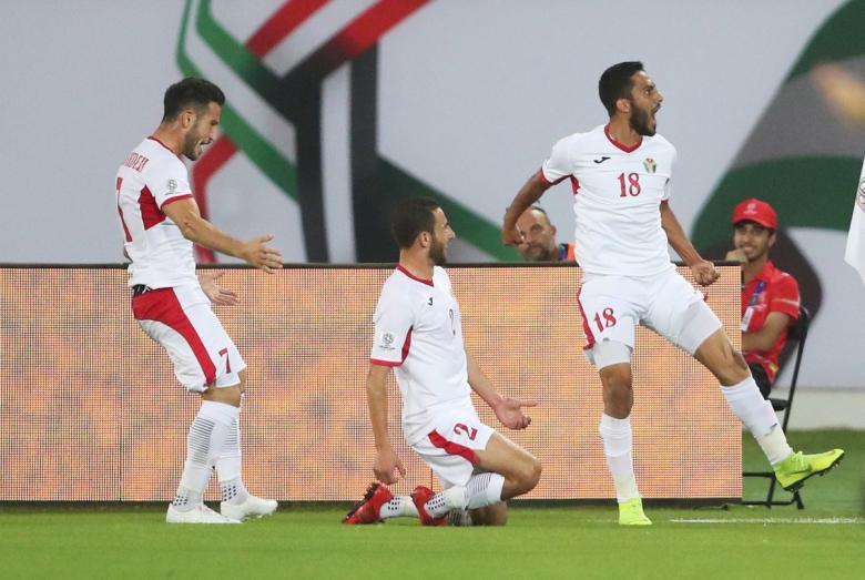 الأردن يهزم سوريا ويتأهل لثمن النهائي