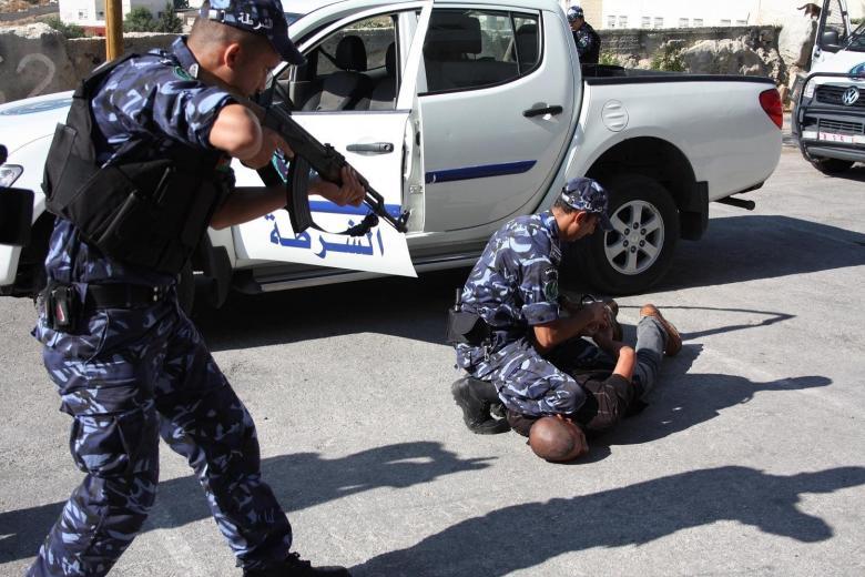 رام الله: القبض على احد كبار تجار المخدرات وبحوزته 1 كغم من الماريجوانا