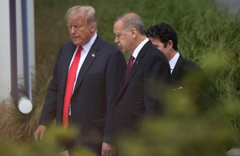 """سيناتور أمريكي: ترامب شجع """"نبع السلام"""" ثم فرض عقوبات"""