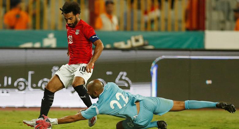 المنتخب المصري يوضح حقيقة طلب صلاح لشارة الكابتن