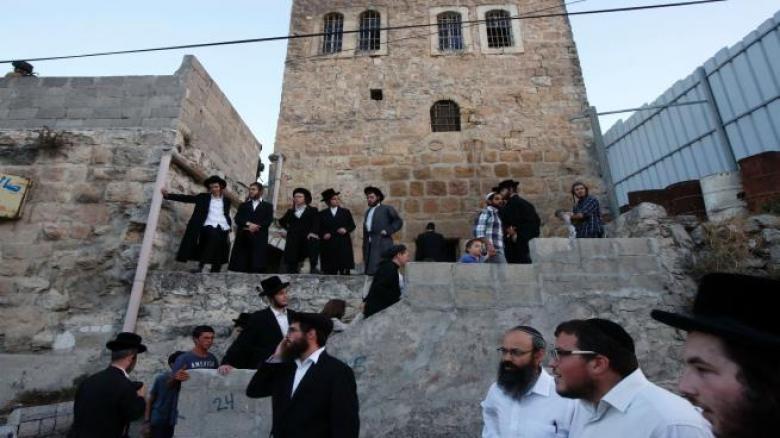 مستوطنون يقيمون احتفالات صاخبة عند باب الخليل بالقدس
