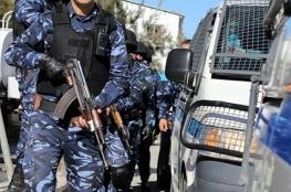 الشرطة تلقي القبض على 3 من أخطر المطلوبين في الخليل
