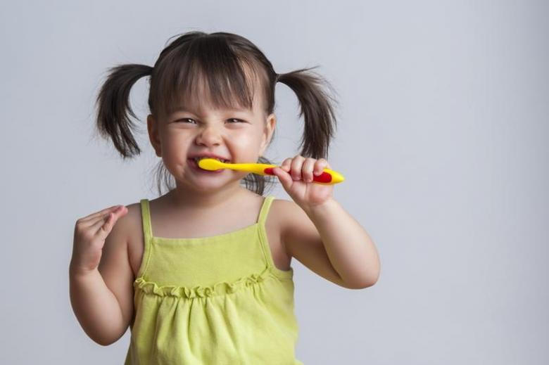 5 نصائح لنظافة أسنان طفلك