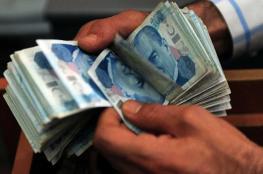 الليرة التركية تهوي لأدنى مستوى أمام الدولار