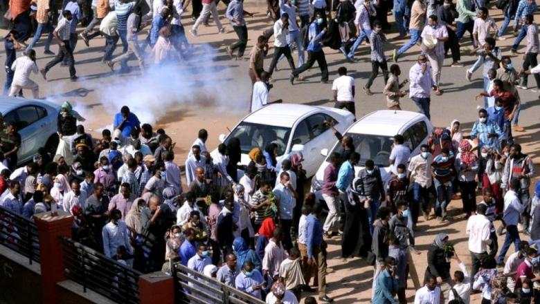 مسيرة احتجاج في الخرطوم تطالب باستقالة البشير
