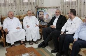 زيارة قيادة حماس لبيت الشهيد القائد إسماعيل أبو شنب في ذكرى استشهاده