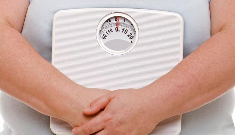 ما سبب زيادة وزن الرجال بعد الزواج؟