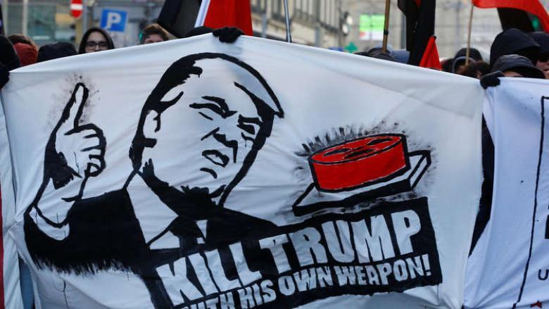 """مطالبة عسكرية أمريكية بتقييد وصول ترامب إلى """"الزر النووي"""""""