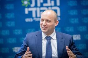 وزير الحرب يأمر بطرد نشطاء المنظمات الإسرائيلية من الضفة