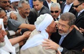 مغردون يتداولون صور نادرة للرئيس المصري الراحل محمد مرسي
