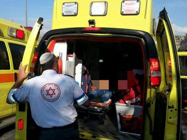 إصابة 15 مستوطناً بالاختناق جنوب الخليل