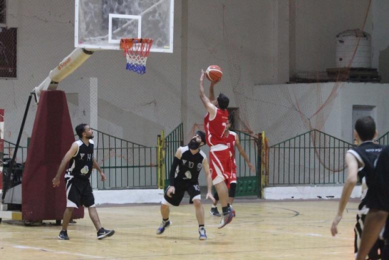 بالصور: انتصاران لخدمات البريج وخدمات المغازي في دوري السلة