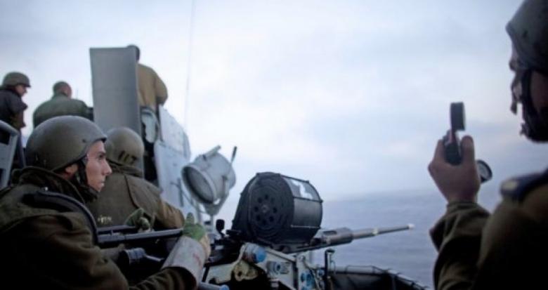الاحتلال يصيب صيادا ويعتقل آخر في بحر رفح