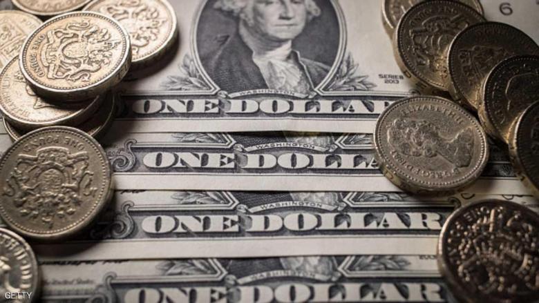 الدولار يسجل أقل سعر في شهر