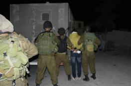 الاحتلال يعتقل تسعة مواطنين بينهم ثلاثة أشقاء