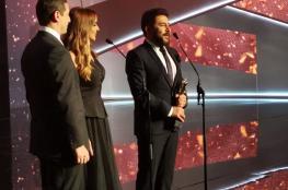 03fbed003 عابد فهد يهدي جائزة أفضل ممثل عربي لجيش الأسد وردود