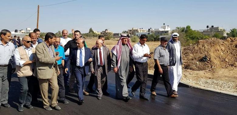 الحساينة يتفقد مشاريع الطرق والبنية التحتية في خانيونس