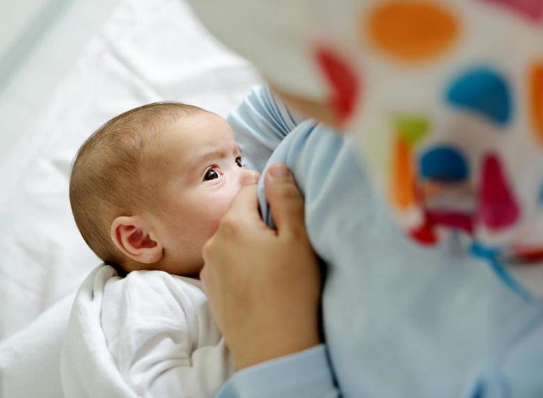 الحمية الغذائية ممنوعة أثناء الإرضاع