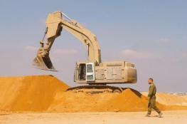 الاحتلال يواصل إنشاء السواتر على حدود غزة