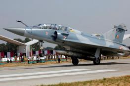 باكستان تسقط مقاتلتين هنديتين وتأسر أحد طياريها
