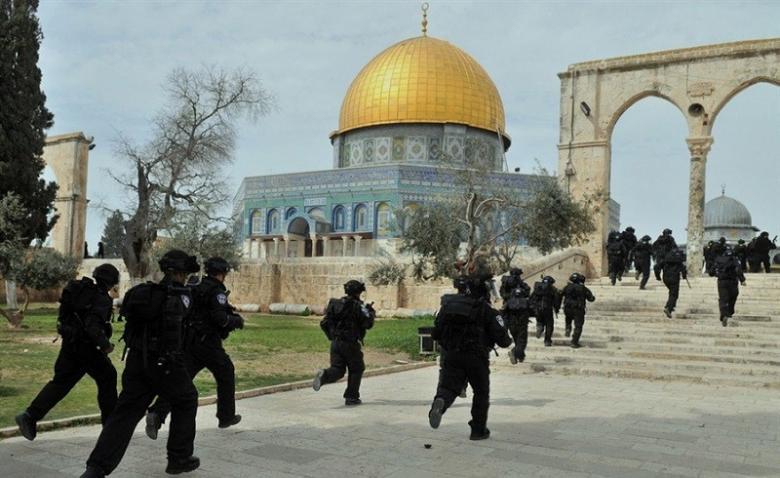 تحذيرات من استيلاء قوات الاحتلال على باب الرحمة