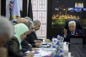 """""""5"""" أسباب لإقالة رئيس السلطة لمستشاريه"""