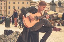 في الحاجة إلى موسيقى تنمي الذوق الفني!