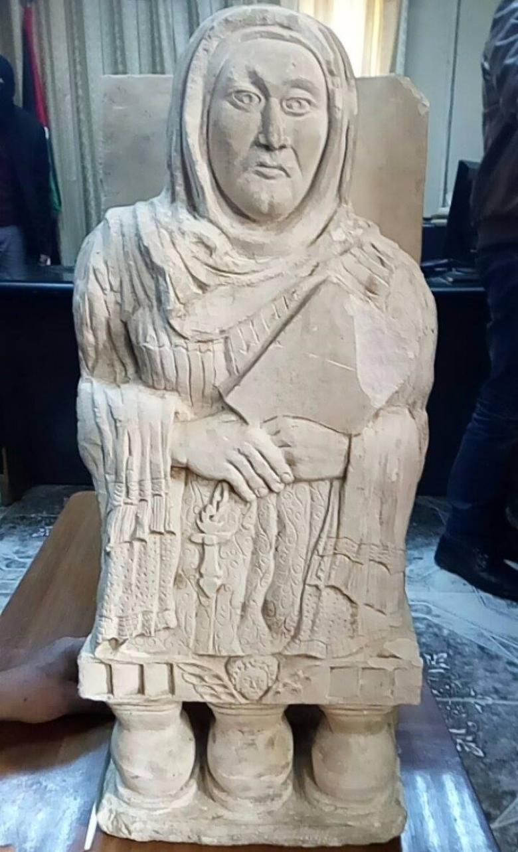 الشرطة تحبط عملية بيع وتهريب تمثال أثرى نادر بنابلس