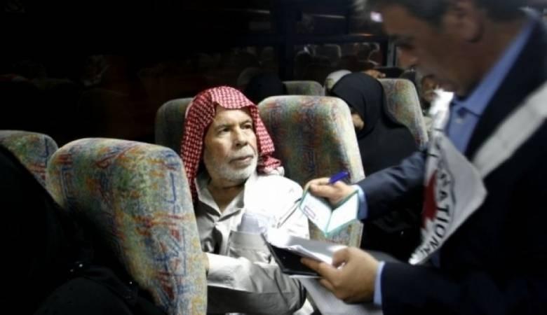 27 من أهالي الأسرى بغزة توجهوا لزيارة 18 معتقلاً في سجن نفحة