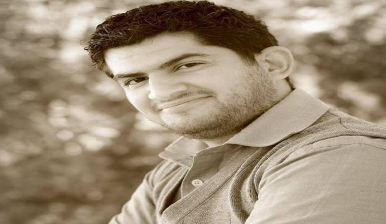 قوات الاحتلال تعتقل صحفيًا فلسطينيًا وتنقله للتحقيق