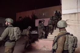 حملة دهم واعتقال تخللها مواجهات بمدن الضفة