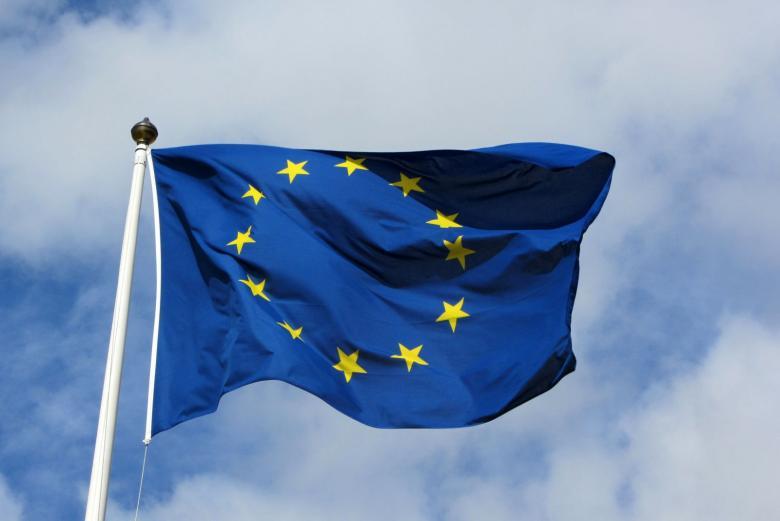 الاتحاد الأوروبي يشكل فريقاً ضد الأخبار الكاذبة على الإنترنت