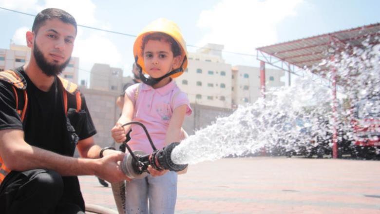 أطفال غزة يتدربون على وظائف المستقبل