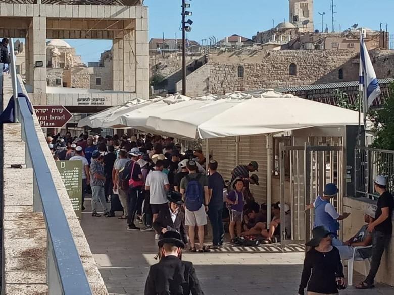 الاحتلال يعلن عن عدد مقتحمي الأقصى صباح اليوم
