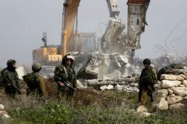 الاحتلال يهدم منشآت في يطا جنوب الخليل