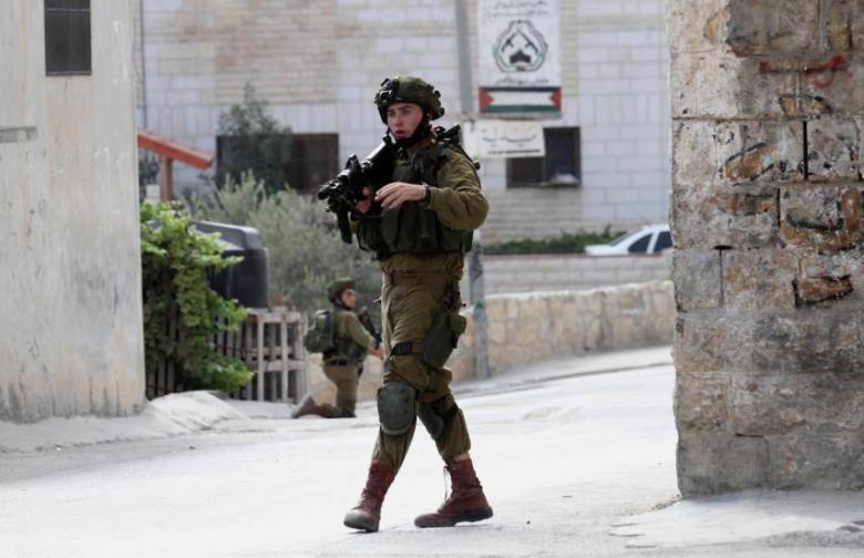 رئيس مجلس استيطاني يدعو لاعتقال أفراد الأمن الفلسطيني