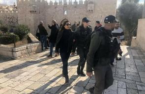 الاحتلال يعتقل الصحفية كريستين ريناوي والمصور علي ياسين من القدس