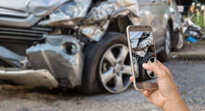 فنانة عربية تتعرض لحادث سير